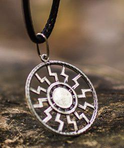 Collier Viking Soleil Noir Frappé en Argent